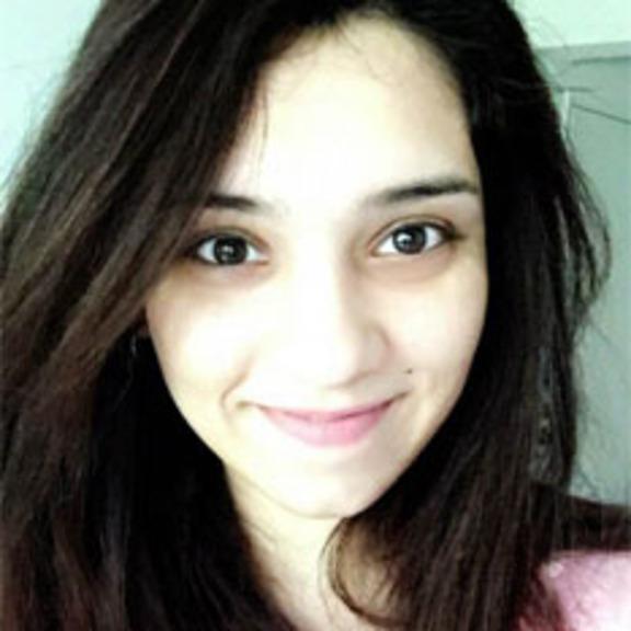 Sandhya Ramesh head shot