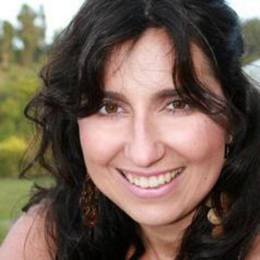 Carla Bento Guedes head shot