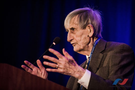 Freeman Dyson head shot