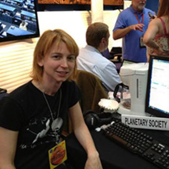 Emily Lakdawalla at JPL for Curiosity's landing, August 5, 2012 head shot