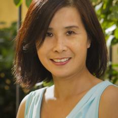 Linda Wong - Headshot Head Shot