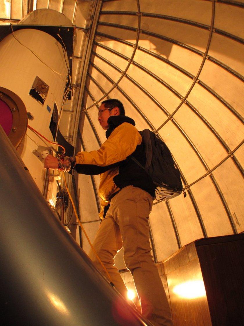 Quan-Zhi Ye at the Catalina Sky Survey Schmidt telescope