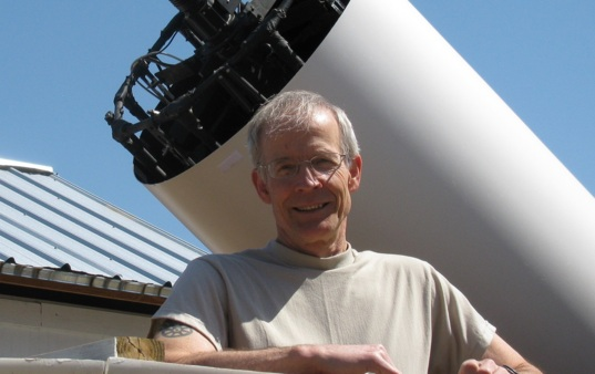 Donald Pray at Sugarloaf Mountain Observatory in Massachusetts, USA