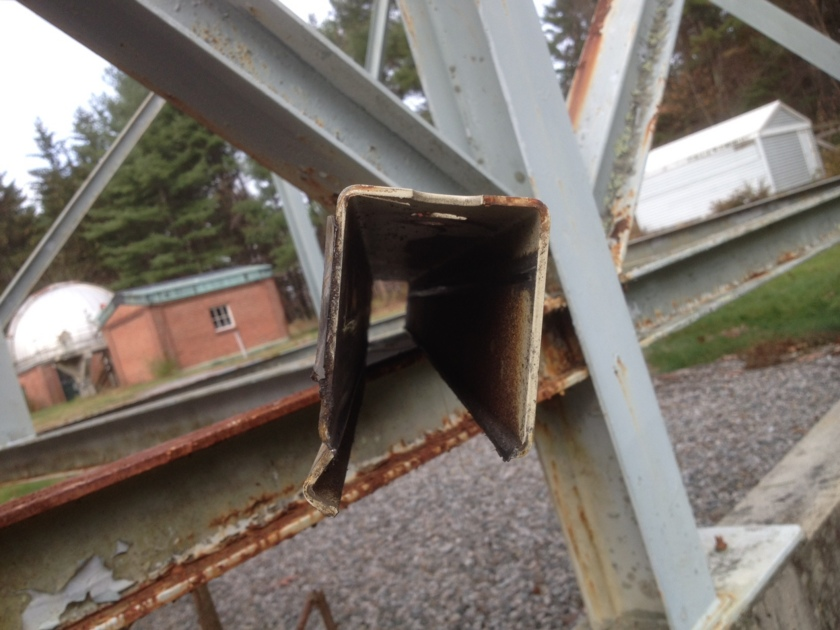 OSETI telescope worn out roof rail