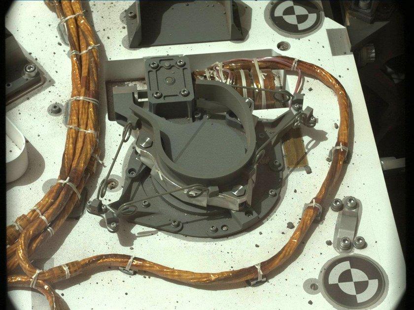 Cable bundles on Curiosity