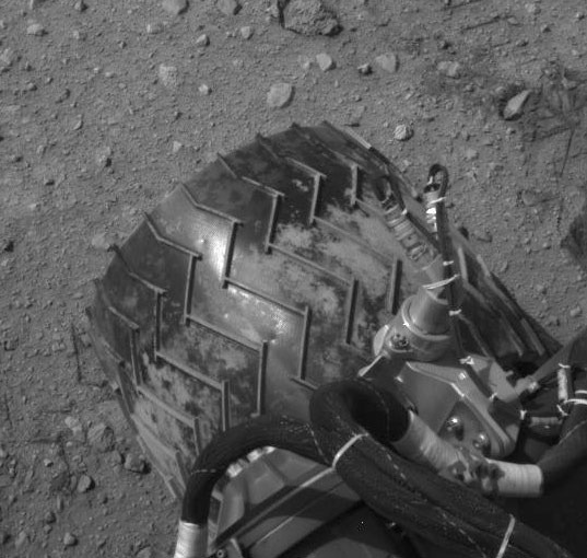 Curiosity's dented wheel, sol 29