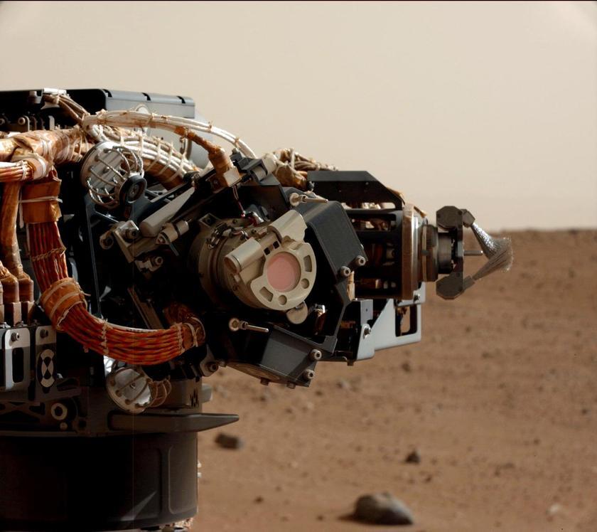 MAHLI is on Mars
