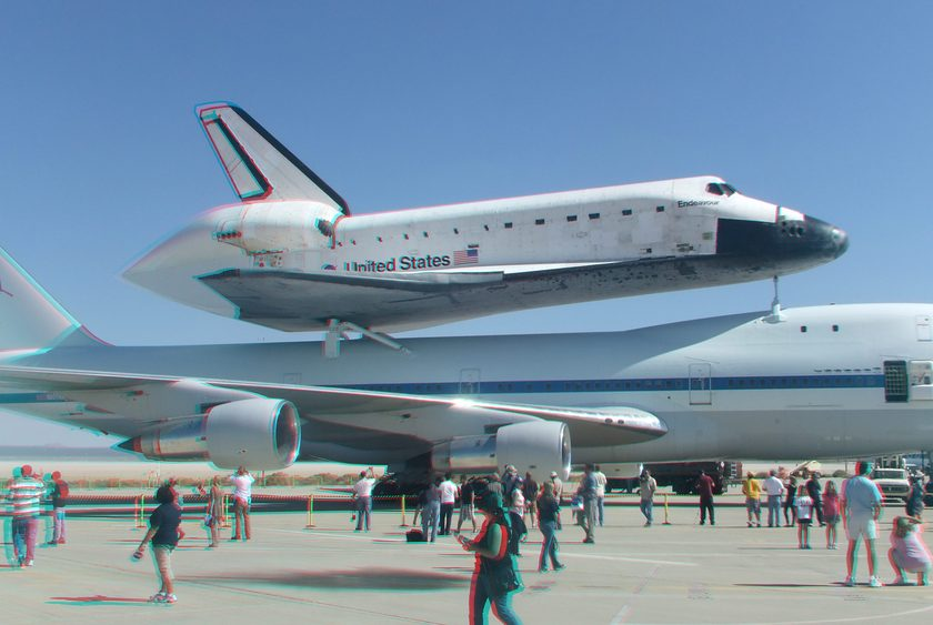 3D Anaglyph of Space Shuttle Endeavour at Edwards Air Force Base, September 20, 2012 (#5720)