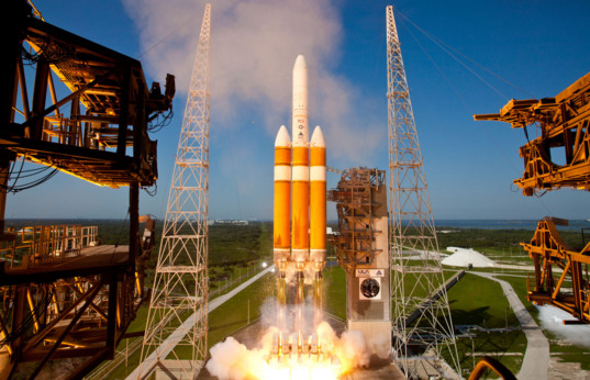 NROL-15 launches atop a Delta IV Heavy