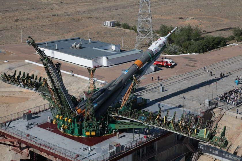 Soyuz TMA-09M goes vertical