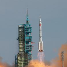 Liftoff of Shenzhou 10