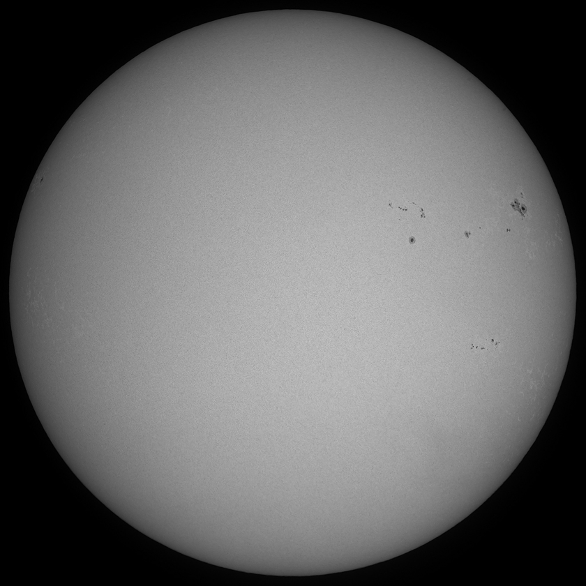 Tiangong 1 and Shenzhou 10 transit the Sun