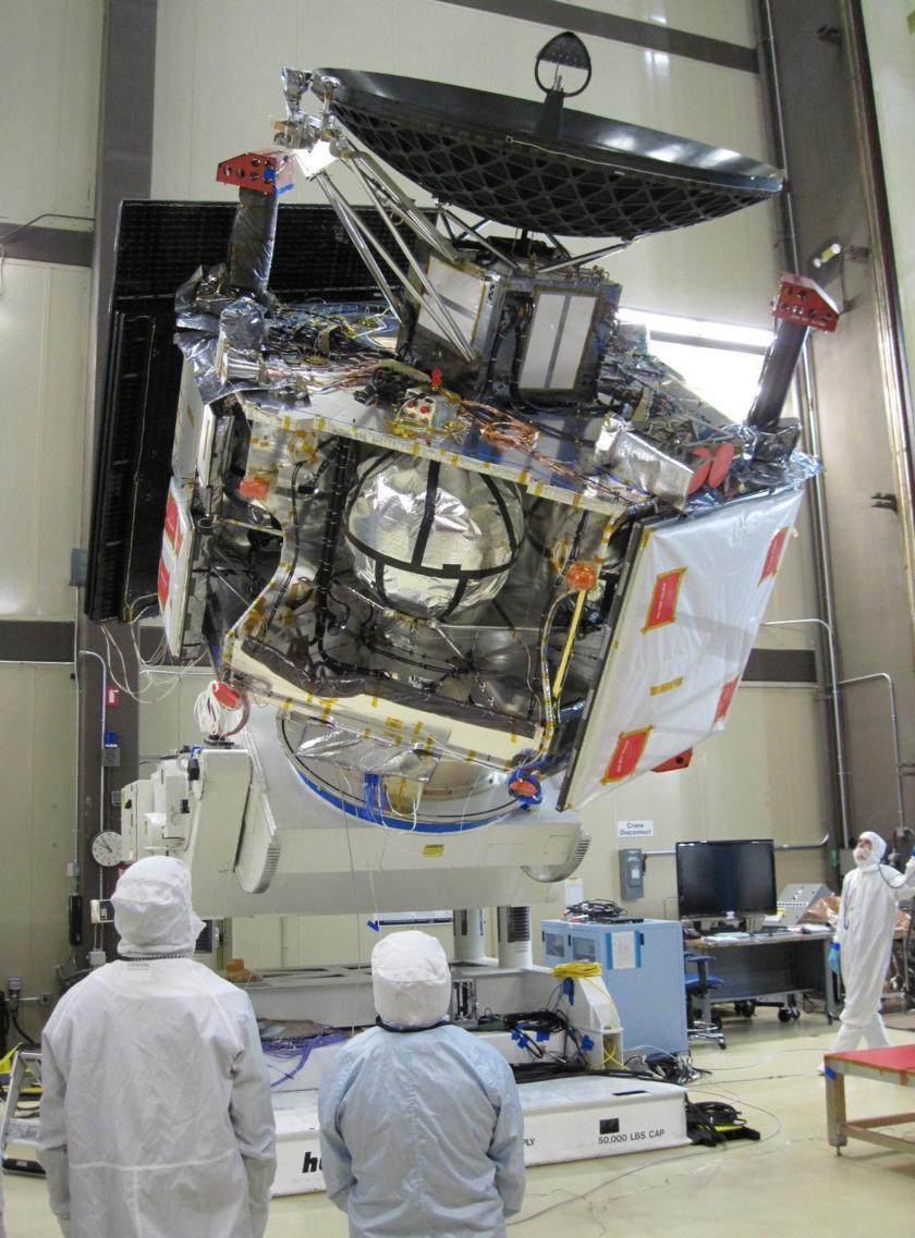 Juno prepares for vibration testing