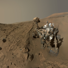 Curiosity self-portrait, looking at Windjana, sol 613 (official version)