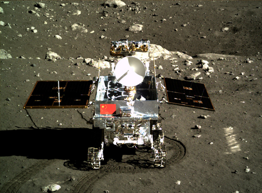 Yutu turns to look at the lander after deployment, December 15, 2013