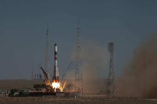 Progress M-28M liftoff