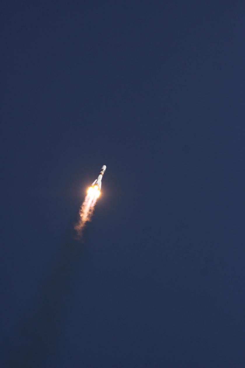 Progress M-28M soars into the sky
