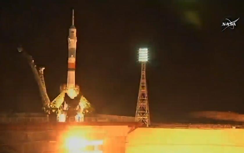Soyuz TMA-17M liftoff 2