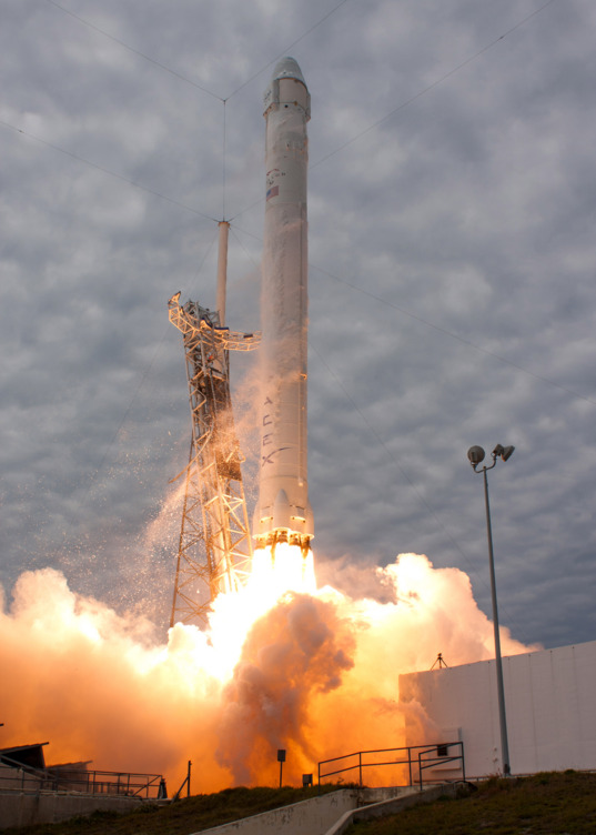 Liftoff of CRS-2