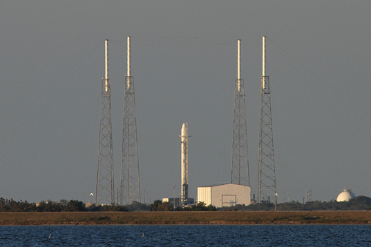 Falcon 9 poised for its first flight