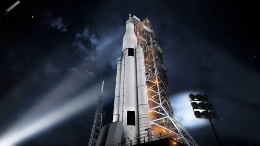 Space Launch System on the launchpad (artist's concept)