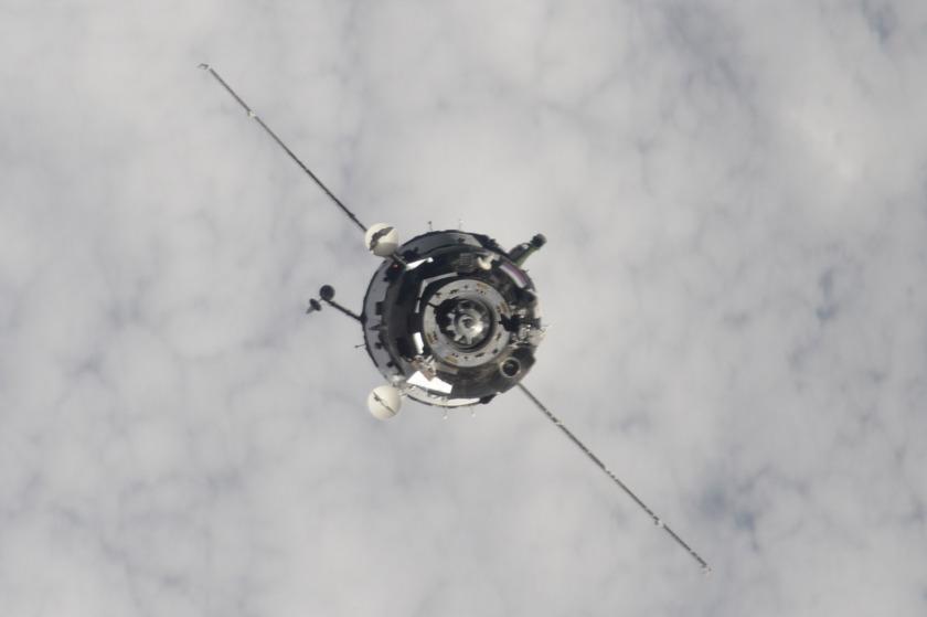 Soyuz TMA-19M approaches station
