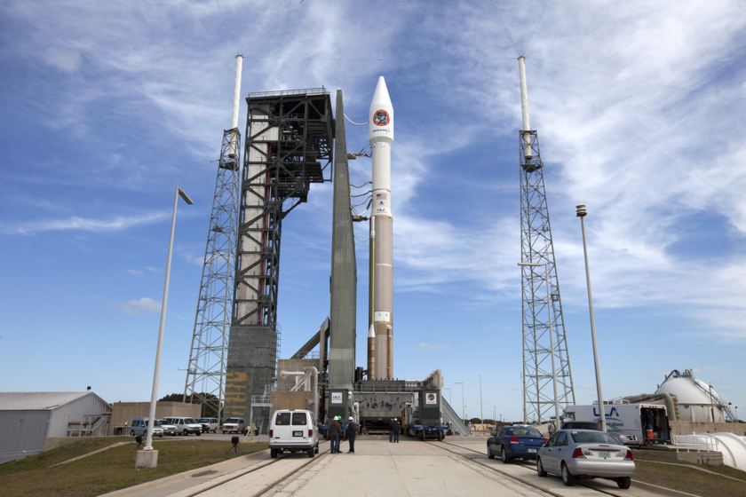 Atlas V with Cygnus OA-6 on the pad