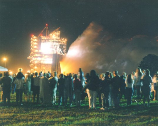 First-ever public evening RS-25 engine test