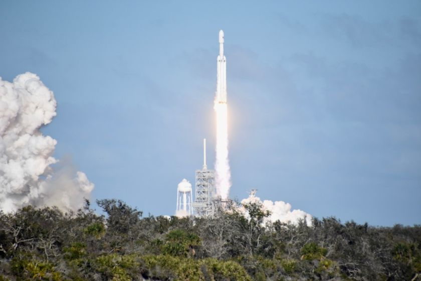 Falcon Heavy liftoff