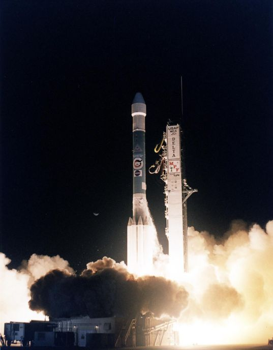 Mars Pathfinder launches, December 4, 1996