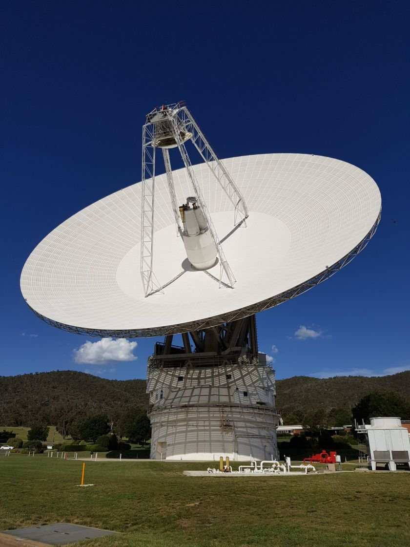 DSS43 talking to New Horizons near solar conjunction