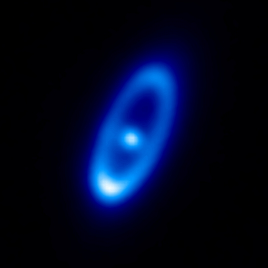 Fomalhaut and its debris disc