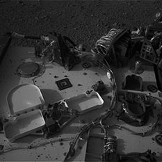A dirty rover deck, Curiosity sol 2