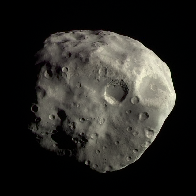 Color global view of Epimetheus, 3 December 2007