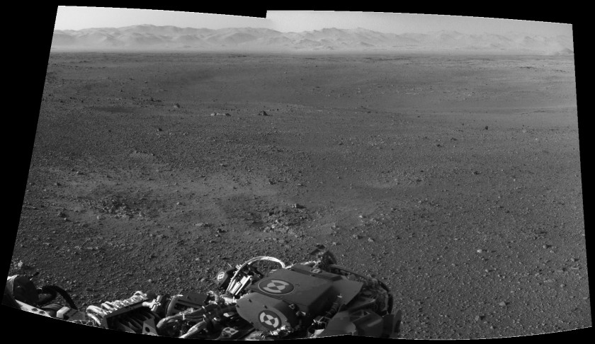 First two-frame Navcam mosaic from Curiosity (with anaglyph)