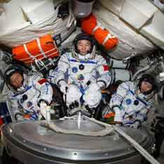 Shenzhou-9 crew training