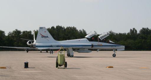 STS-125 Astronauts arrive