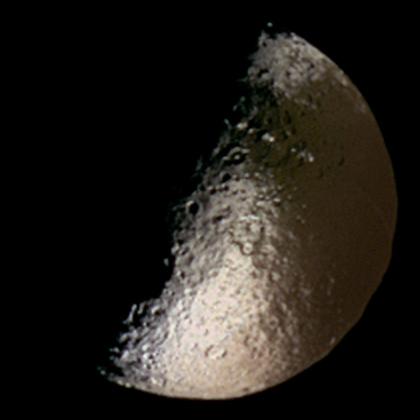 Iapetus in false color