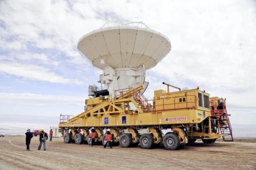 An ALMA antenna begins its journey to the plateau of Chajnantor