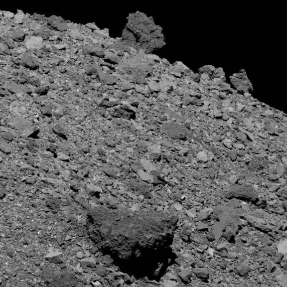 20190412 equatorial ridgeline boulders