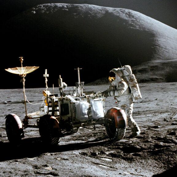 Apollo 15 irwin and the lrv as15 86 11603