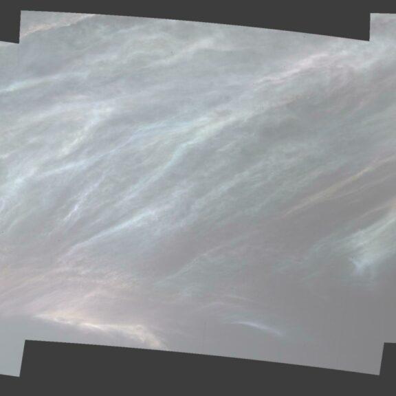 Iridescent clouds mars pia24662